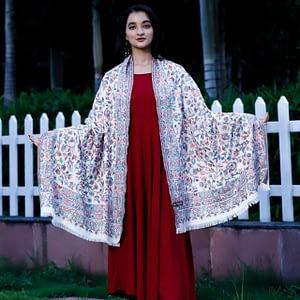 Stole Kaani Super Fine Marino Wool Floral